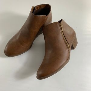 American Eagle 8 1/2 Booties Brown